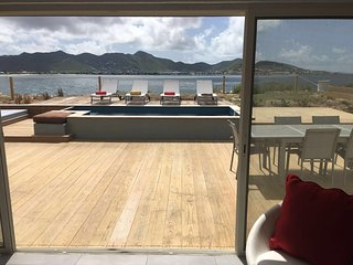 CLIFF HOUSE...charming, affordable, modern 2BR oceanfront rental on Beacon Hill, St. Maarten/St. Martin