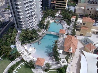 Ocean, River, Hinterland Views 3B 2Bath 27th floor, Surfers Paradise