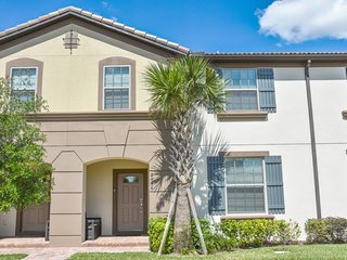 5 Bedr. home minutes to Disney, AWESOME amenities!