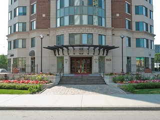 Convertible 2 Bedroom Suite - 50 Laurier Ave East - 1510, Ottawa