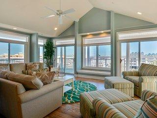 Key Largo 401 - Huge Luxury Condo w/ Upgrades!