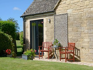 Jasons Garden Apartment - a Tranquil Haven, Bourton-on-the-Water
