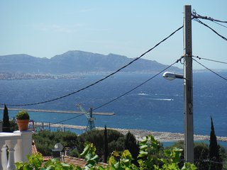 Villa Jardin et terrasse avec tres belle vue mer