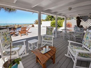Beachfront Dream - 4 Bedroom Gulf Front Home with Expansive Deck and Views!, Indian Rocks Beach