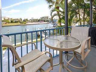 Madeira Beach Yacht Club 275E- 2 Bedroom Condo with Porch Overlooking the Bay
