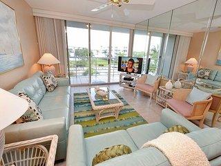 Bahia Vista 12-442 Beautiful Condo with Amazing Views and Large Balcony!, San Petersburgo