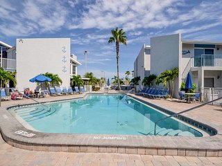 Madeira Beach Yacht Club 250F- Second Floor 2 Bedroom with 55 inch HD LED TV!