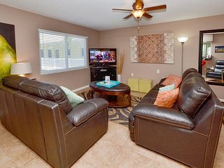 Waves 20 - New Tile Floors, Fresh Paint, Leather Furniture & 46' Flatscreen!, Saint Pete Beach
