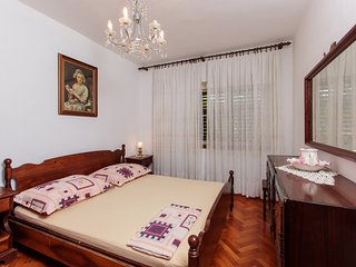 TH01869 Apartments Komarac / Two bedrooms A1, Slatine