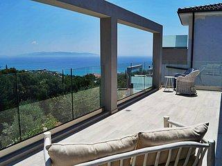 Brand new private villa in Trapezaki