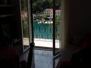 TH01888 Apartments Ina / Two bedrooms A5, Selce