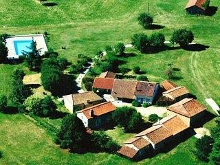 Un hameau pour vous seul, au centre du Perigord, Vergt