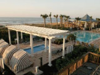 Luxurious Ocean Front Marriott SurfWatch Resort, Hilton Head