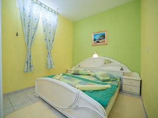 TH02804 Apartments Gordana / One bedroom A1 GREEN