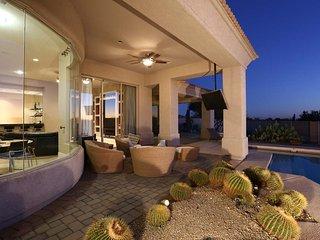 Golf Course Home - Great Location & Gorgeous Views, Phoenix