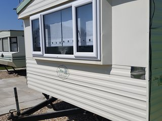 8 berth caravan for rent in popular location, Chapel St. Leonards