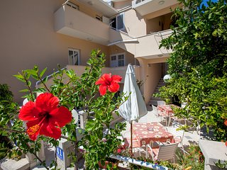 TH03512 Apartments Nives / One bedroom A4 (2+2), Podgora