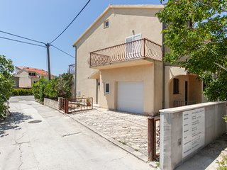TH03450 Apartments Mirko / Studio A5