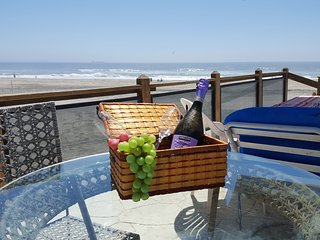 BEACH VIEW at Downtown Rosarito, WIFI, direct acce