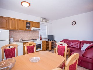 TH01507 Apartments Arnerić / One Bedroom A2