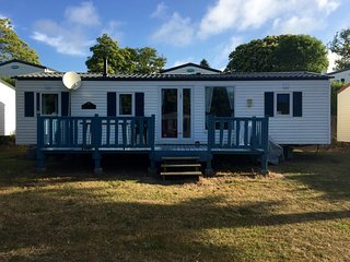 Large Mobile Home in 5 star Holiday Park Finistaire Brittany