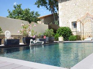 Ancienne Chapelle rénovée avec piscine privée, Béziers