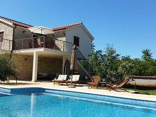 TH03542 Villa Piscina / Two Bedrooms, Gornje Selo