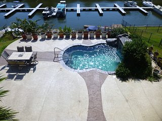 Lake Conroe- Lakefront with Pool and Boat Access, Willis