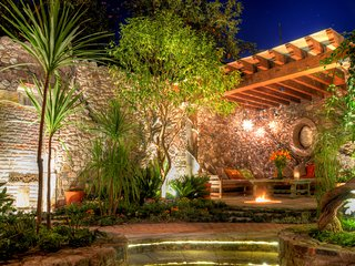 8 Bedrooms Property in the Heart of San Miguel de Allende - Casa Tres Cervezas