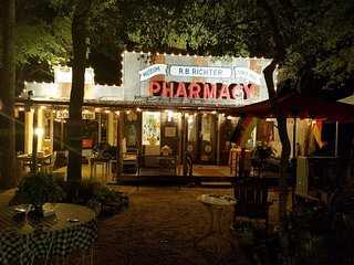 DasAnwesen B&B and Events Center/Richter Pharmacy, New Braunfels