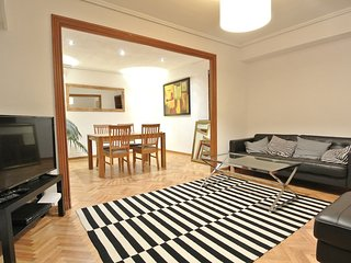 Spacious and quiet 4 bedroom apt with lift, Valencia