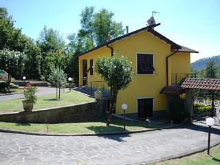"HOLIDAY HOUSE ""THE VINEYARD"" 30 minutes from 5 Terre, Sesta Godano"