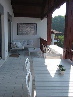 Ombre ou soleil sur la terrasse: á vous de choisir!