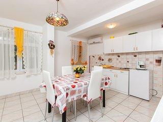 TH03408 Apartments Villa Dane / Two bedrooms A1, Podstrana