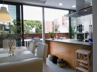 San Sebastian beach 3 bedroom, Sitges