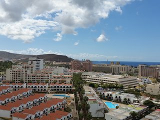 Sky View 1BD Apartment in Center of Las Americas, Playa de las Américas