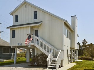 Nice two story home located on the 'Loop Canal' just a block and a half from the beach!