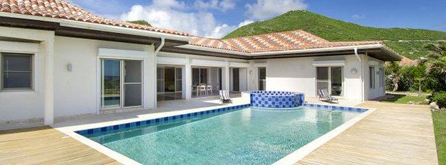 Villa Saturn 5 Bedroom SPECIAL OFFER, St. Maarten