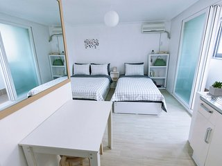 *Opening Discount* Alive Hongdae (5mins from Station), Goyang