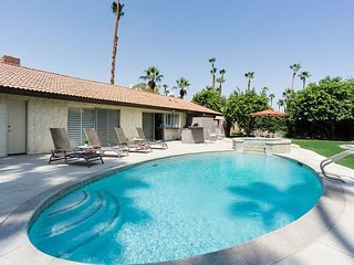 Southside Palm Springs Beauty with Pool & Spa - Near Hiking, Golf & Downtown