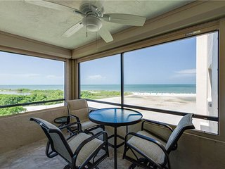 Sandarac A709, 2 Bedrooms, Gulf Front, Elevator, Heated Pool, Sleeps 5, Fort Myers Beach