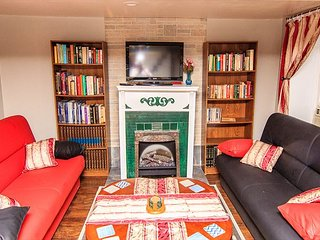 Charming Private Astoria Apt. 10 Min To Manhattan!