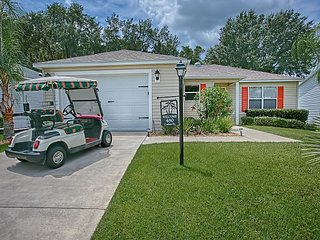 Beautiful designer home in Amelia with a complimentary gas golf cart