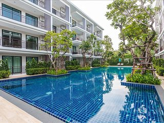 Luxury studio on Rawai Beach - gym, sauna & 3 pools!