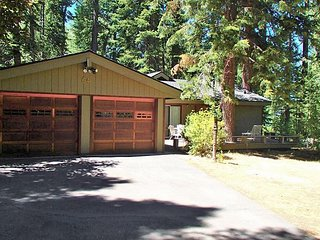 Serene and Peaceful Home Close to Creek and Steps From the Lake 4bd/2ba, Homewood