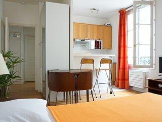 rue Vignon 75008 PARIS - 108002