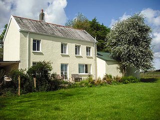 MARSH COTTAGE, rural detached cottage, enclosed garden, dog-friendly, in North