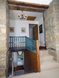 Moylegrove village cottage for rent - spacious landing