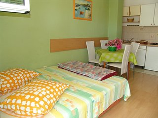 TH03464 Apartments Diana / One bedroom A2, Makarska