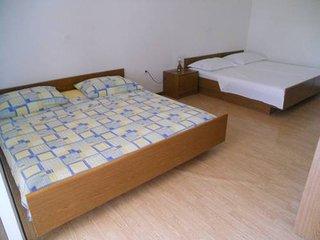 TH01260 Apartments Stošić / Studio A4, Rtina